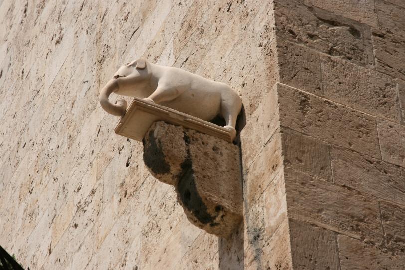 Torre del Elefante - elephant